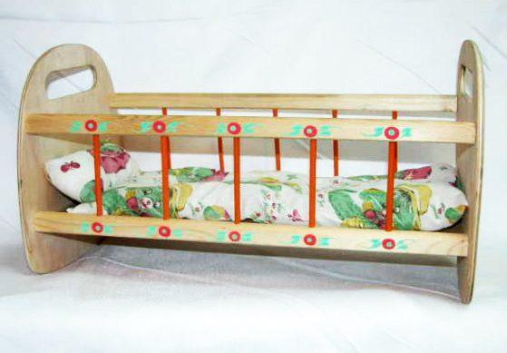 Кроватка для кукол, деревянная